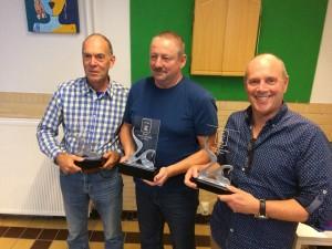 Joop Krijgsman (2e) - John Kuijpers (winnaar) - Ad van der Linden (3e) foto: Schoon Spel